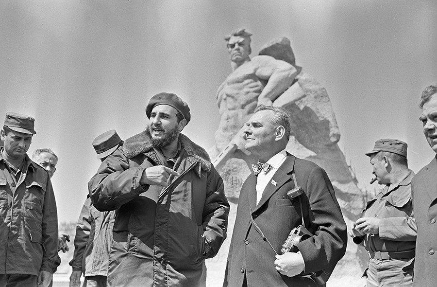 Е.В. Вучетич с Ф. Кастро на Мамаевом кургане. 1963 г. Фото А. Смирнова